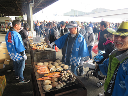 12月8日(日)に「尼崎市公設地方卸売市場冬の味覚祭り」が開催されました