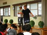 6月20日(水)青果卸売協同組合による出前食育講座が行われました。