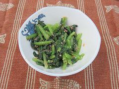 小松菜とさけの和え物