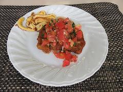 トマトソース添えのビフカツ