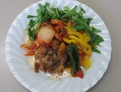 鶏肉のポワレ野菜たっぷりソース