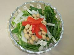 大豆と水菜のサラダ