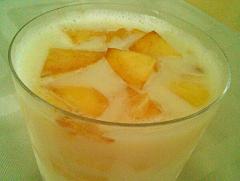 桃のミルクゼリー